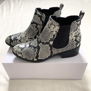 Faux Snake Skin Boots NWOT